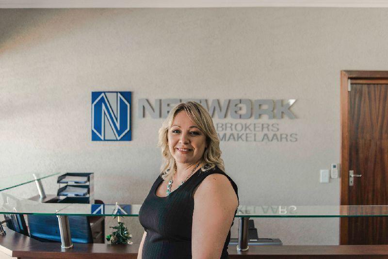 network-brokers-brackenfell-staff-lelanie-bravenboer